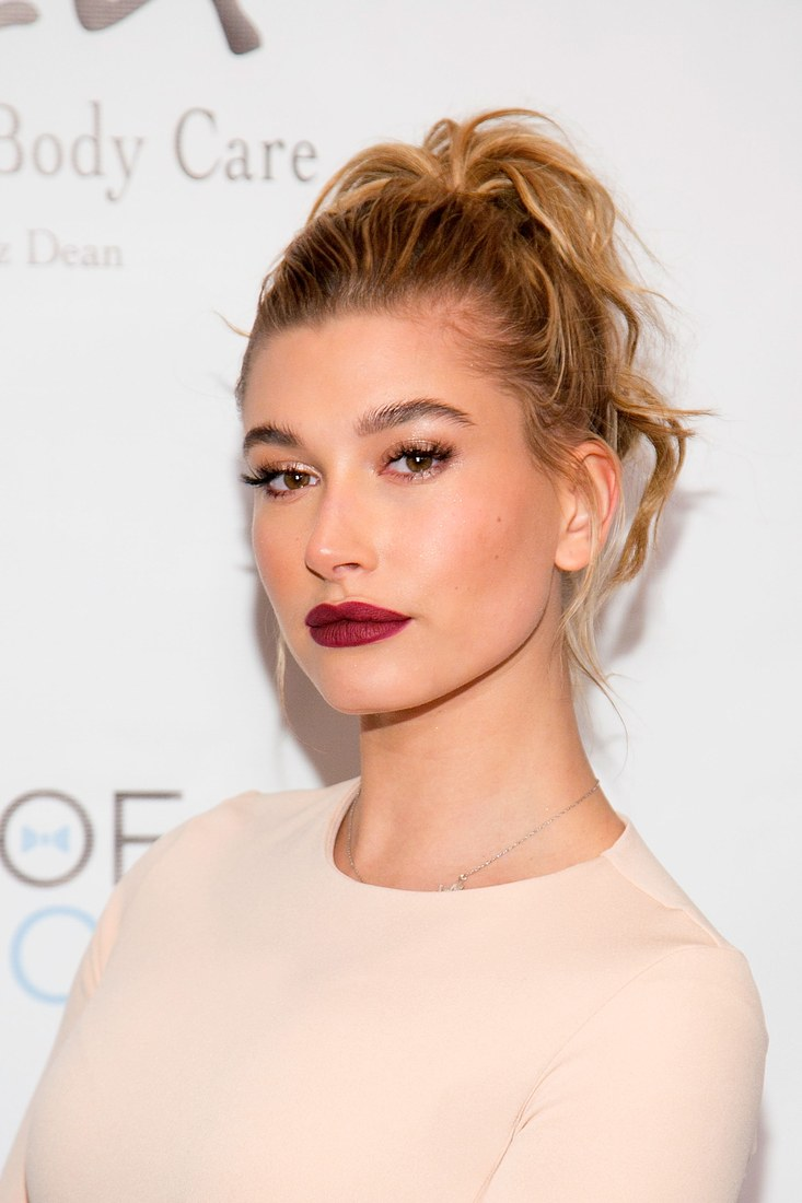 2015_November_Hailey with high ponytail