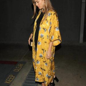 Jessica Alba wearing yellow Kimono (1)