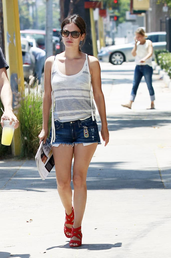 Rachel Bilson in shorts (5)