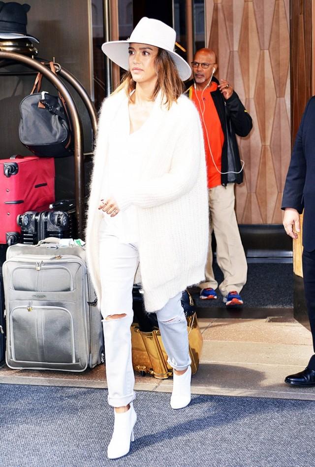 white booties celebrities like (5)